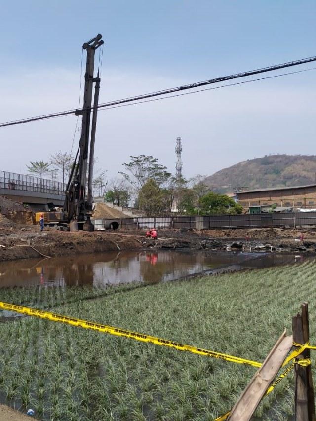Pertamina Netralisir Air yang Tercemar BBM di Lokasi Kebakaran Cimahi (13274)