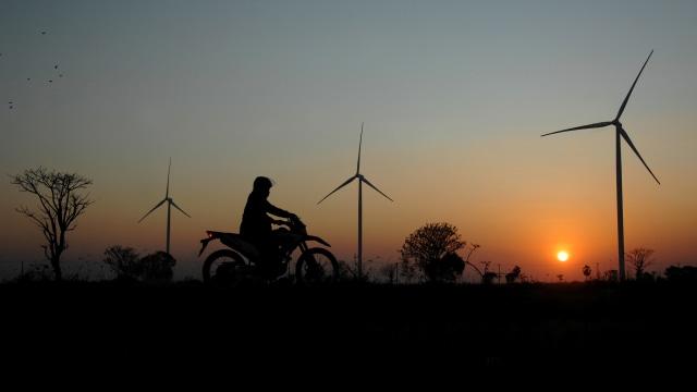 Demi Investor, Arifin Tasrif Rombak Tarif Listrik Energi Terbarukan Buatan Jonan (733079)