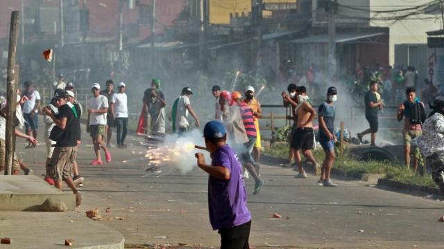 QnA: Evo Morales Mundur, Ada Apa sih di Bolivia? (88796)