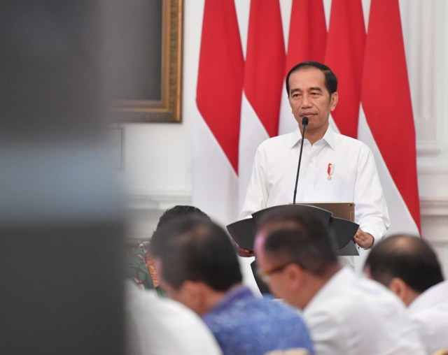 Sidang kabinet paripurna perdana, Jokowi