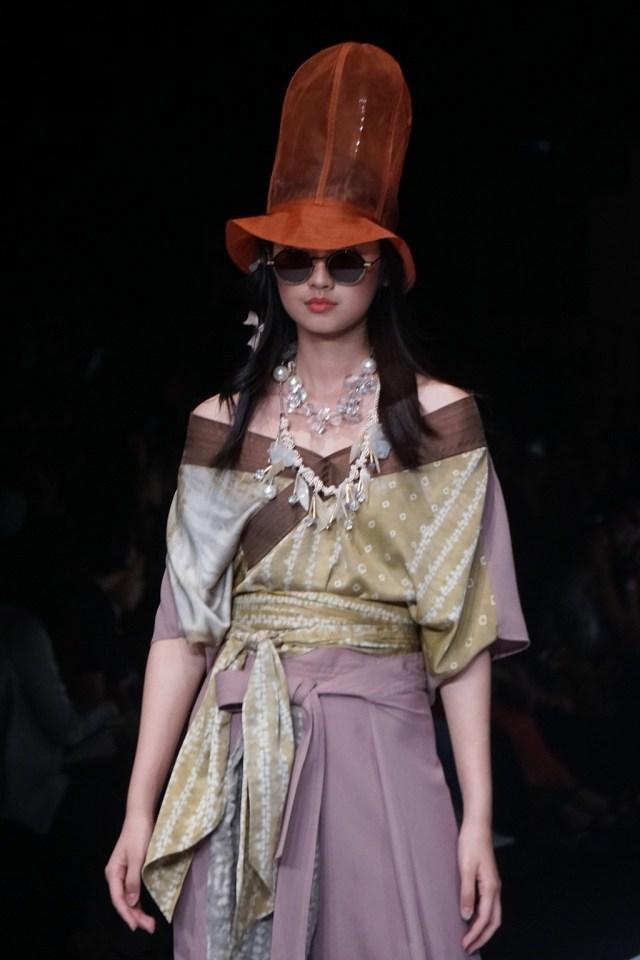 Konsep Eco Fashion dari Sumatra Utara Hiasi Jakarta Fashion Week 2020 (694660)