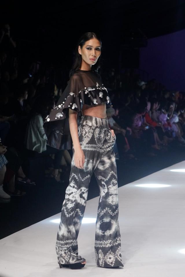 Konsep Eco Fashion dari Sumatra Utara Hiasi Jakarta Fashion Week 2020 (694656)