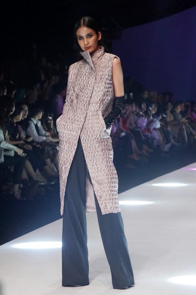 Konsep Eco Fashion dari Sumatra Utara Hiasi Jakarta Fashion Week 2020 (694659)