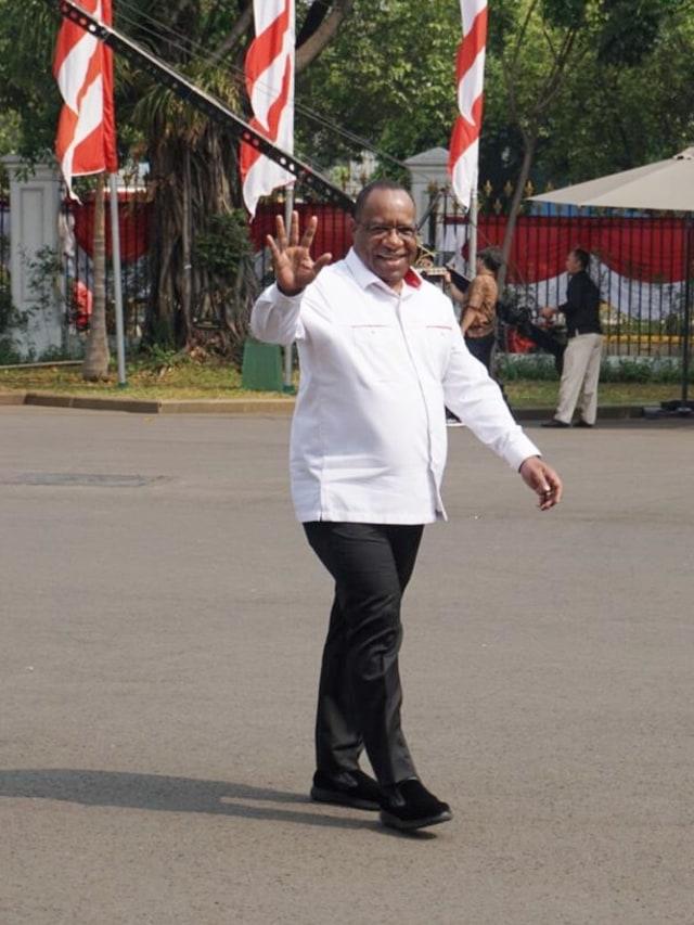 Mantan Bupati Jayawijaya, John Wempi, Dipanggil Jokowi (377527)