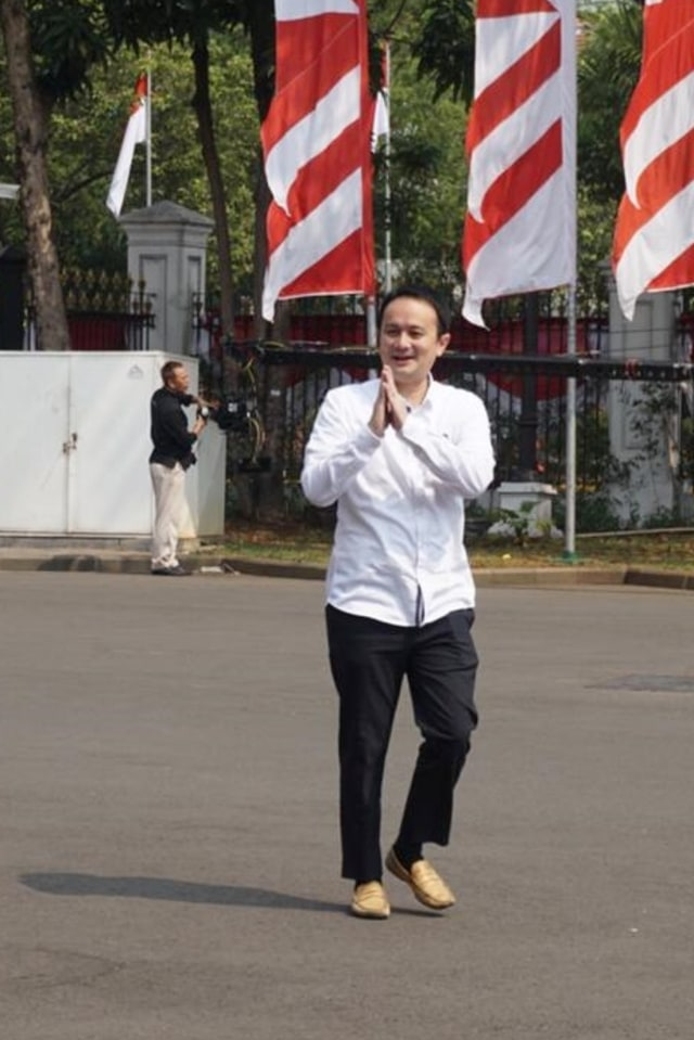 POTRAIT, Jery sambuaga, Istana Kepresidenan