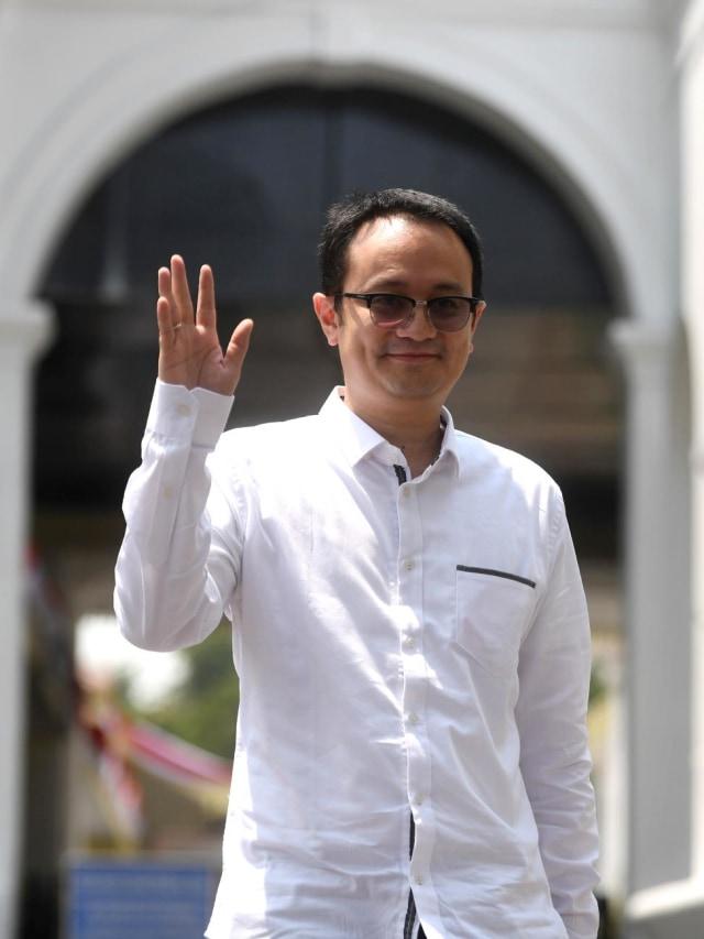 POTRAIT, Jerry Sambuaga,Wakil Menteri Jokowi