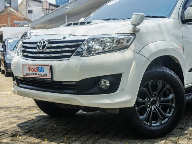 Toyota Fortuner Bekas: Solusi Murah untuk 'Naik Kelas' (89181)