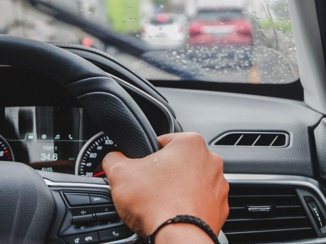 Jakarta Mulai Diguyur Hujan, Ingat Tips Aman Menyetir di Jalan Tol (772395)