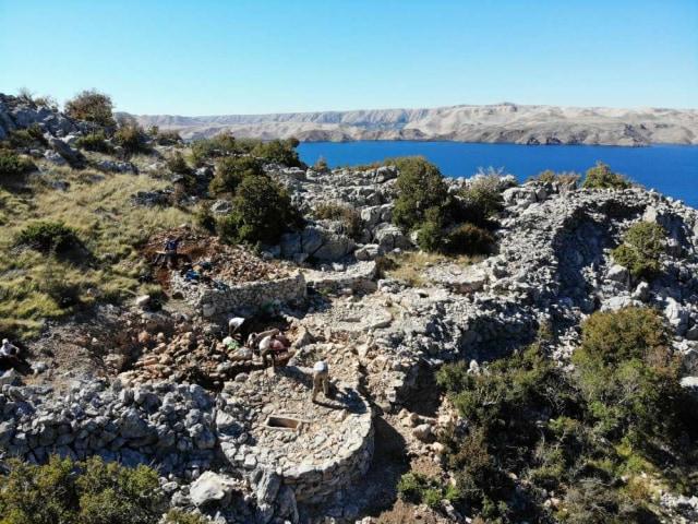 Makam kuno