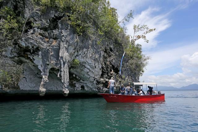 Merapah Indah di Raja Ampat, Papua (12359)