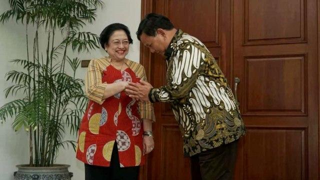 Canda Megawati ke Prabowo yang Pergi ke Luar Negeri: Mana Oleh-olehnya (8329)
