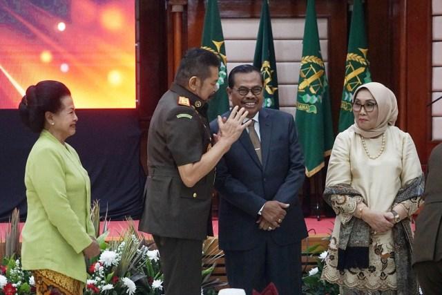 Foto: Serah Terima Jabatan Jaksa Agung dari Prasetyo ke ST Burhanuddin (59269)