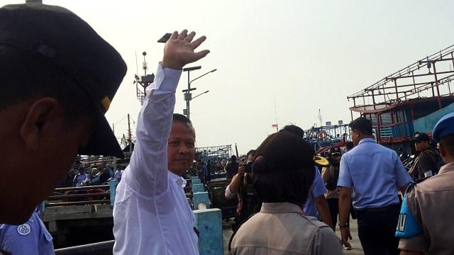 Menteri KKP Edhy Prabowo di Pelabuhan Muara Angke