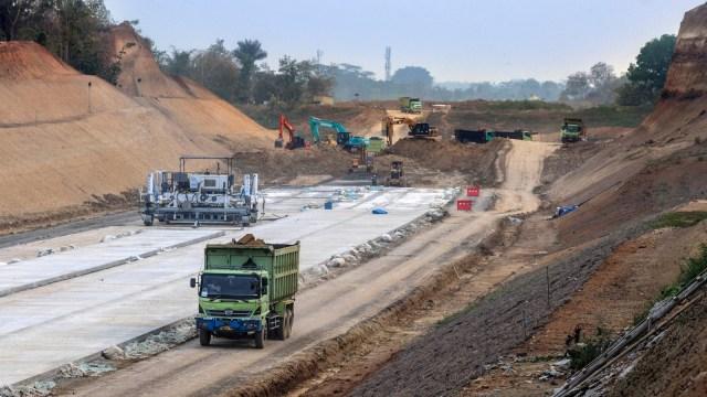 Proyek pembangunan Jalan Tol Serang-Panimbang