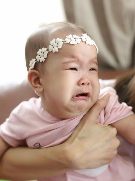 Bayi Sariawan, Lebih Baik Tetap Disusui Langsung atau Diberi ASI Perah? (34002)