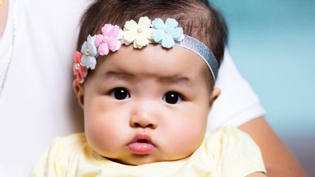 20 Nama Bayi Perempuan Islami yang Bermakna Cantik (308193)
