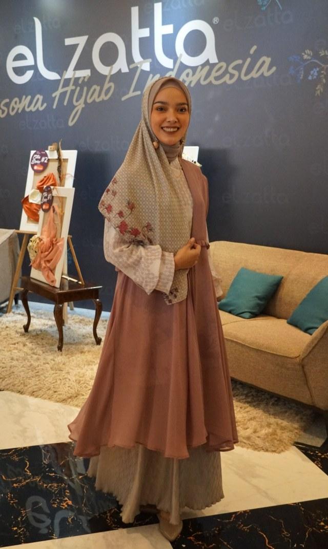 Elzatta Hijab Rilis Koleksi Busana Muslim Bermotif Batik Kawung Kumparan Com