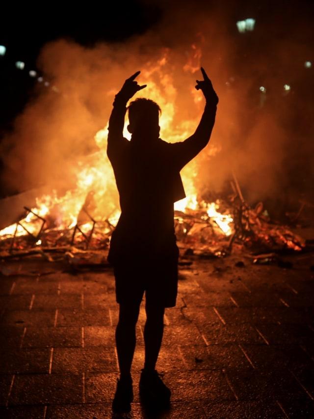 POTRAIT, Demo di Chile, Rusuh
