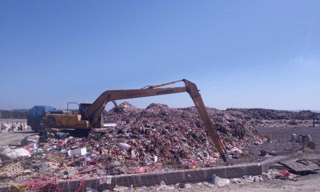 TPA Suwung Normal, DLHK Denpasar Kerahkan Truk Pengangkut Sampah (122244)