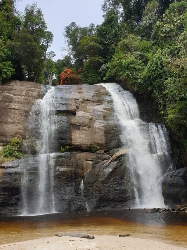 Riam Dait, Air Terjun Tujuh Tingkat dengan Keindahan Pasir Putih (301424)