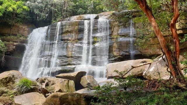 Riam Dait, Air Terjun Tujuh Tingkat dengan Keindahan Pasir Putih (301431)