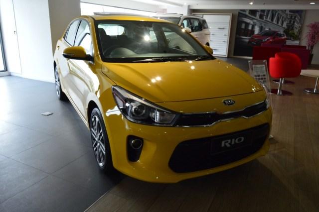 Komparasi Spesifikasi Kia Rio vs Toyota Yaris, Pilih Mana?  (141265)