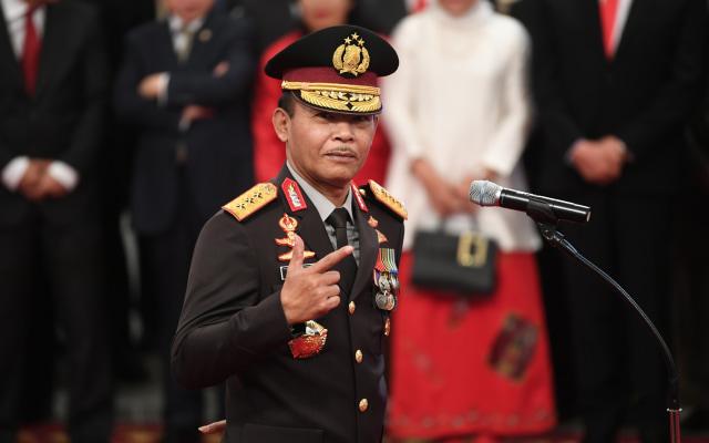 Idham Azis bersiap mengikuti upacara pelantikan sebagai Kapolri di Istana Negara