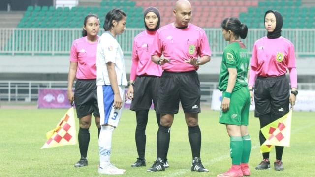 Sherly Wasit Perempuan Pertama dari Riau.jpg