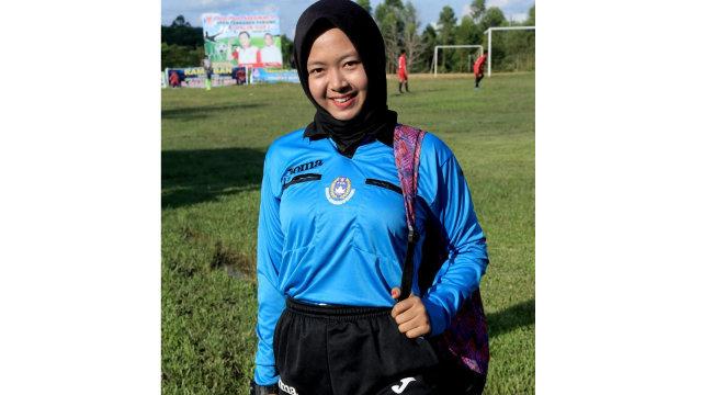 Sherly Wasit Perempuan Pertama dari Riau2.jpg