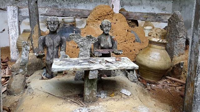 Melihat Panyugu, Tempat Ritual Suku Dayak di Kabupaten Landak, KalBar (197259)