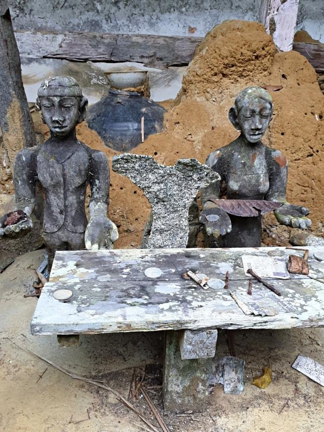 Melihat Panyugu, Tempat Ritual Suku Dayak di Kabupaten Landak, KalBar (197261)