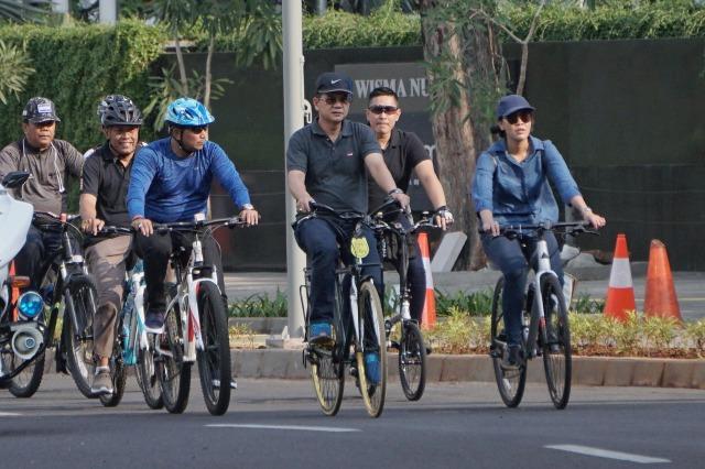 Makin Nyaman Bersepeda di Jalur Sepeda Jakarta (68452)