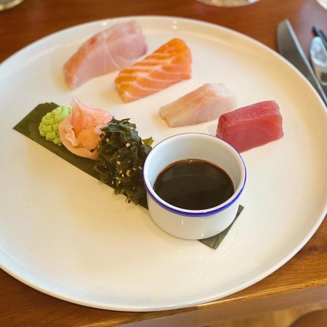 Jangan Asal Potong, Ini Tips Menyajikan Sashimi Enak di Rumah (48134)