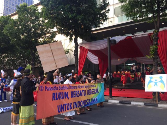 Jalan sehat memperingati HUT ke-55 Parisadha Buddha Dharma Niciren Syosyu Indonesia (NSI), kantor Kemenag