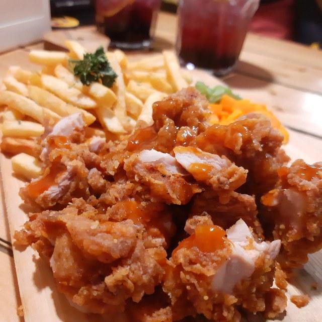 Kandang Ayam, Tempat Makan Paling Asyik dan Unik di Bandung (840349)