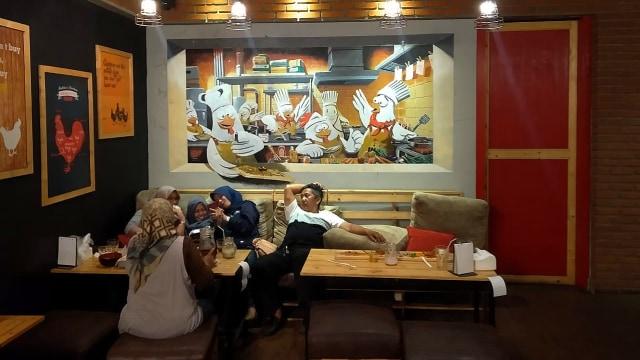 Kandang Ayam, Tempat Makan Paling Asyik dan Unik di Bandung (840353)