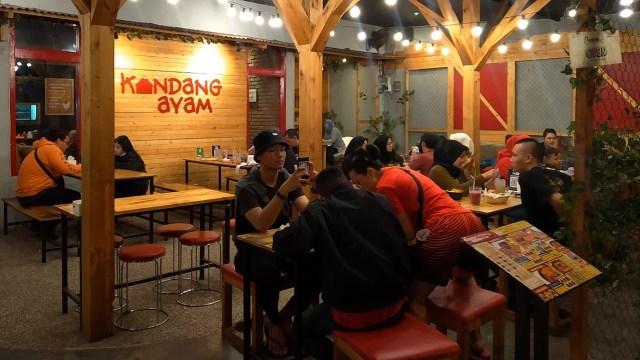 Kandang Ayam, Tempat Makan Paling Asyik dan Unik di Bandung (840354)