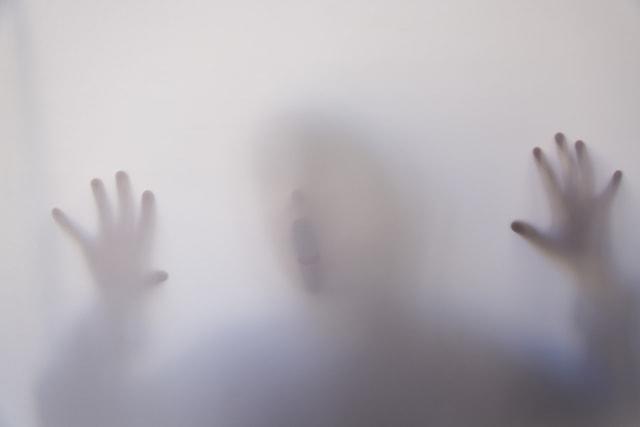 Kenapa Ada Orang yang Bisa Lihat Hantu? Ini Penjelasan Ilmiahnya (393890)