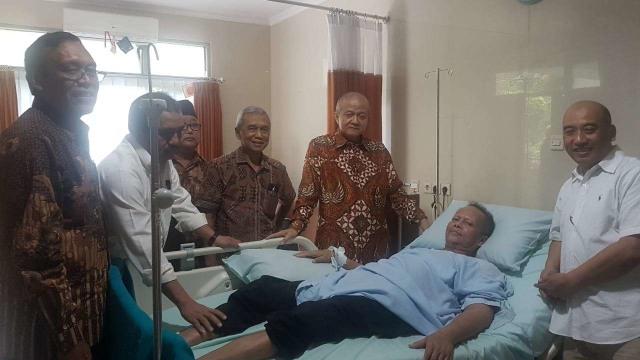 Waketum MUI Yunahar Ilyas Dipindah Perawatan ke ICU RSUP Dr Sardjito (123726)
