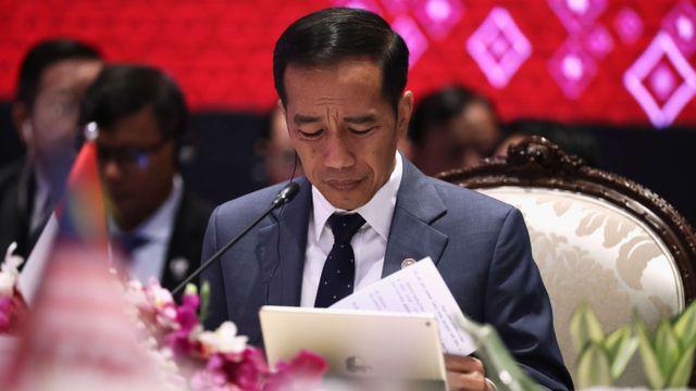 Presiden Jokowi saat di KTT ASEAN, Bangkok, Thailand