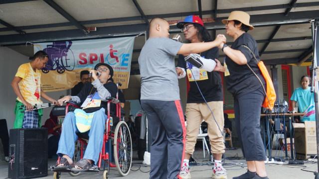 Mengukur Kepedulian terhadap Penyandang Disabilitas Berat (27814)