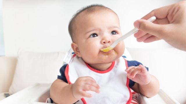 Porsi Susu Formula untuk Bayi (87273)