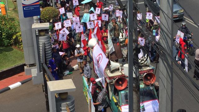 Asosiasi Petani Tembakau indonesia demo di kemenkeu