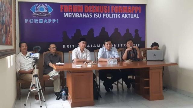 Diskusi forum masyarakat sipil menyikapi keputusan Presiden Jokowi batal mengeluarkan Perppu KPK