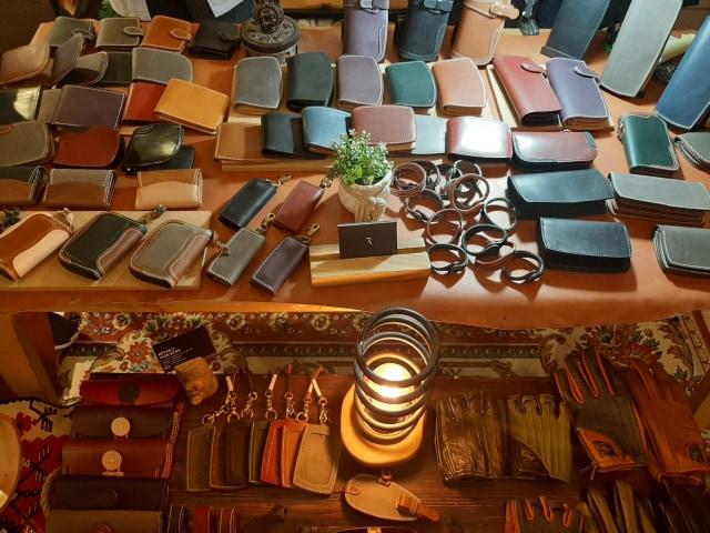 Rekomendasi 5 Brand Lokal Spesialis Produk Fashion Bahan Kulit (86309)