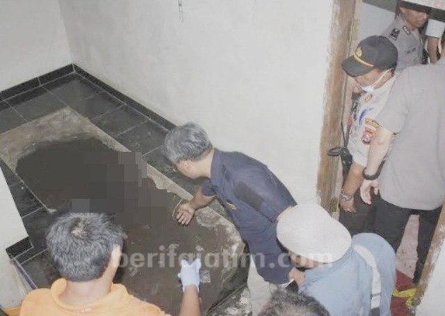 Pria Ini Dibunuh dan Dikubur di Bawah Lantai Musala Dapur (796285)