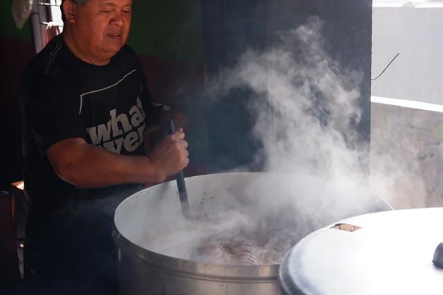 Menyantap Kuliner Khas Jeneponto, Sulsel, yang Dibuat dari Daging Kuda (480420)