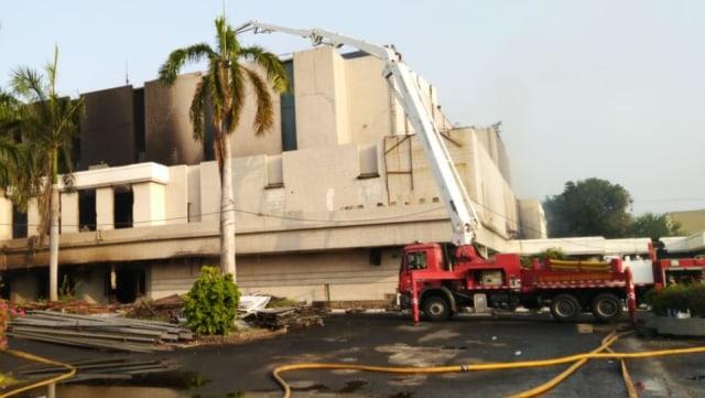 Setelah 8 Jam, Kebakaran Gedung Hailai Ancol Berhasil Dipadamkan (13519)