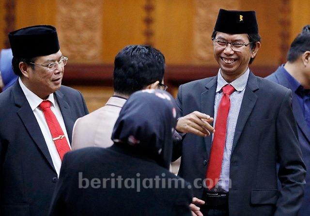 Ancaman Interpelasi Risma, Ketua DPRD Surabaya: Ayo Musyawarah (61183)