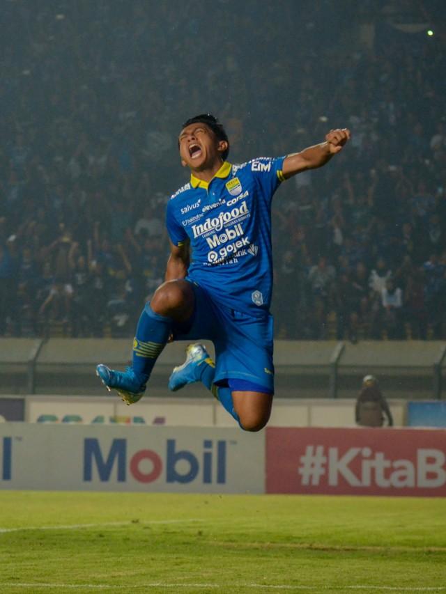 Persib Bandung melawan PSIS Semarang, POTRAIT